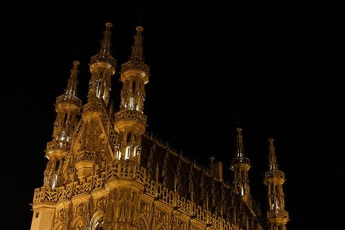 夜のルーヴェン市庁舎