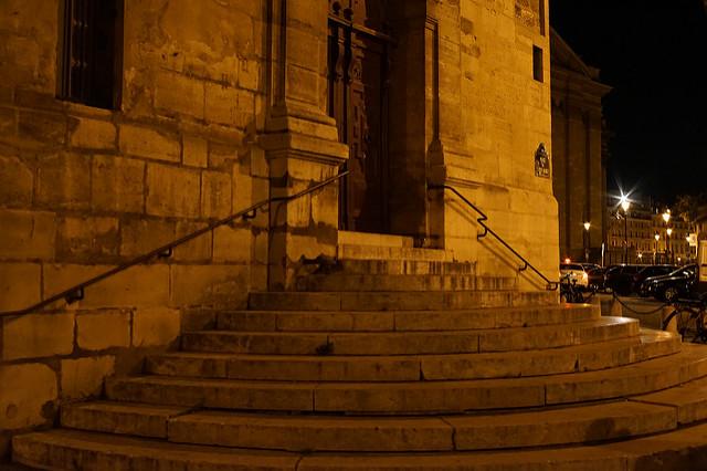 サン テティエンヌ デュ モン教会の階段