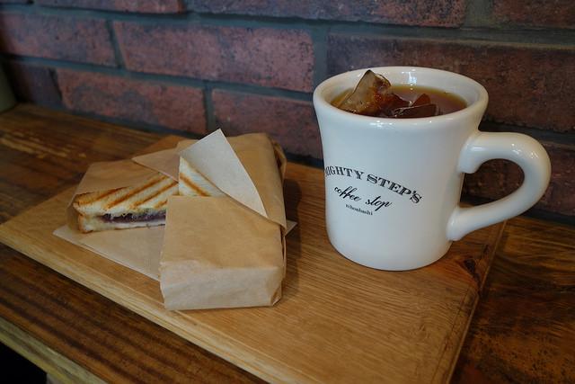 アイスコーヒーとあんバターサンド