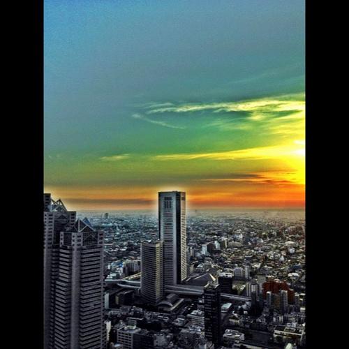 #camoreplus 新宿夕景